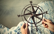 invest-advisor-beach-compass_187x117